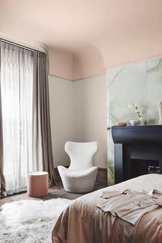 Dulux Colour Forecast From Wholeself. Wall in Dulux Shetland Lace Half, and ceiling in Pinkham. Interior Wall Colors, Bedroom Interior, Modern Interior, Best Interior, Bedroom Trends, Dulux Colour, Interior Paint, Interior Walls, Colorful Interiors