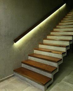 55 Me gusta - estudio AM arquitectos Concrete Stairs, Concrete Wood, Loft Stairs, House Stairs, Wooden Staircases, Stairways, Interior Stairs, Interior Architecture, Escalier Art