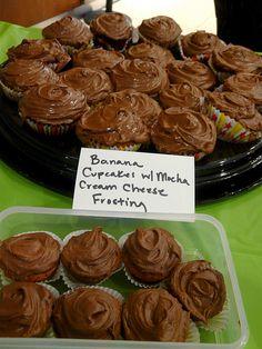 Banana Cupcakes with Mocha Cream Cheese Frosting #cupcake #cupcakes