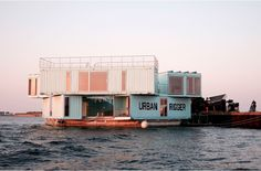 Urban Rigger | Student Housing | Residential Building | Water | Sea | raft | Blue Container | Arch Container | Cloister | Central Courtyard | 1:200 | Housing |