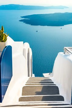 What are the Best Hotels in Santorini? How to get to Santorini? Phuket, Places Around The World, Around The Worlds, Greece Pictures, Photos Voyages, Beautiful Places To Travel, Travel Aesthetic, Greek Islands, Dream Vacations