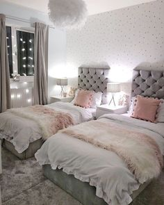 Shared girls bedroom - Grey and pink bedroom for sisters with twin beds Scandi style girls bedroom Twin Girl Bedrooms, Sister Bedroom, Twin Bedroom Ideas, Girls Twin Bedding, Shared Bedroom Girls, Kids Bedroom Ideas For Girls, Twin Room, Twin Bed For Girls, Bedroom For Twins