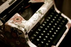 Floral typewritter! need!