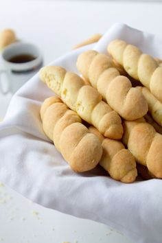 Braided Butter Cookies | www.diethood.com | Dry butter cookies that are soft to the bite, sweet, and will satisfy even the strongest cookie cravings. They go very well with coffee or tea | #recipe #cookies