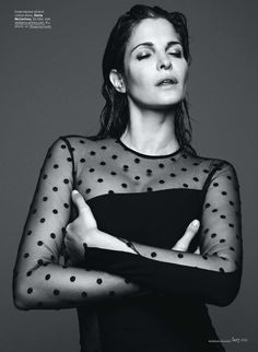 Connect the Dots – Supermodel Stephanie Seymour flaunts her legendary curves in this sexy shoot lensed by Horst Diekgerdes for the September issue of Elle US. Stephanie Seymour, San Diego, Fashion Models, Fashion Show, Elle Fashion, Elite Model, Stella Mccartney Dresses, Elle Us, Img Models