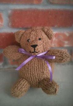 free teddy bear pattern (knit)