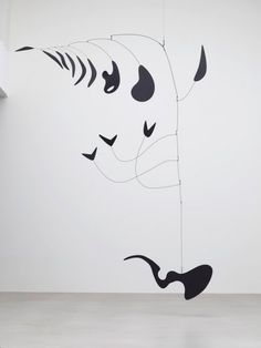 I went to the Calder show at LACMA last week and have a few thoughts about it that I thought I would share with the group today. The space i...