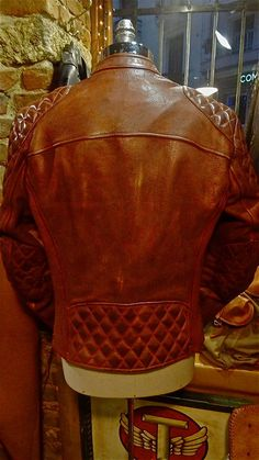 VINTAGE STYLE CAFE RACER 100% NATURAL VEG TANNING LEATHER JACKET #thedileathers #reddish #brown #leather #jacket #caferacer #handmade #cowhide #men #motorcycle www.thedileathers.com
