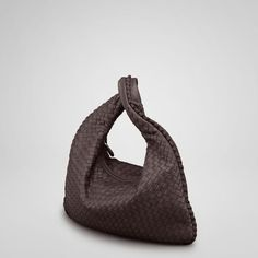 http://www.bvhandbags.com/shoulder-and-hobo-bags-c-1_18.html