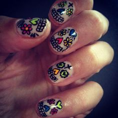 Alexa Chung took inspiration from Mexico's multi coloured candy skulls for these nails. Nail Art Inspiration #nailart