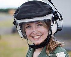 Afbeeldingsresultaat voor helmet girl