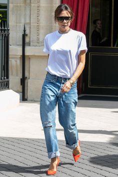 7154b802d4a Victoria Beckham Follows 7 Precise Fashion Rules Every Time She Wears a  T-Shirt