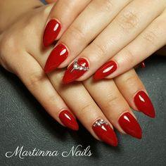 Red nails with swarowski