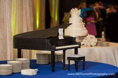 Amazing baby grand piano groom's cake - Houston wedding photography - MD Turner Photography