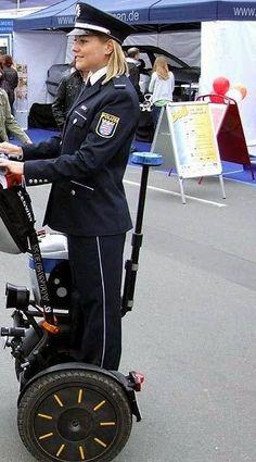 Polizistin Hessen auf den Hessentag