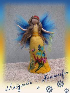 Deko-Objekte - Margarete, Sommerfee, Fee aus Wolle, Waldorf - ein Designerstück von filzweiber bei DaWanda