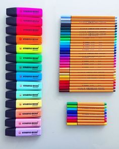 diy school supplies Discovered by Sasha. Find images and videos about colorful, draw and diy on We Heart It - the app to get lost in what you love. School Stationery, Cute Stationery, Cool School Supplies, College Supplies, School Suplies, Stabilo Boss, School Notes, Study Notes, Too Cool For School