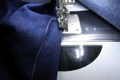 Zelf je perfecte spijkerbroek maken 1 » BERNINA Blog Denim Crafts, Diy And Crafts, Projects To Try, Blog, Clothing, Outfit, Blogging, Clothes, Kleding