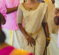 This saree is draped to perfection! & we love the jewelry that has been paired effortlessly for this look!