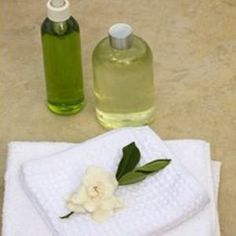 (JASMINE OIL) In terms of its exotic aroma, jasmine oil perfume is a popular choice. The use of jasmine oil for skin is also very common use as it helps soothe irritable skin, reduce stretch marks and scarring, and balances dry or greasy skin.