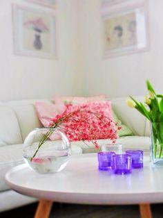Olohuone kevätsävyissä
