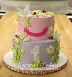 http://www.customcouturecakes.com/images/allie_1st_birthday_cake.jpg