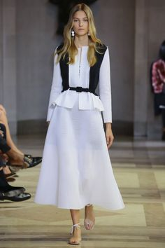 Carolina Herrera - New York Fashion Week / Spring 2016 Model: Emeline Ghesquiere