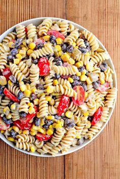PÂTE, TOMATE, HARICOT ROUGE, MAÏS  15 délicieuses salades de pâtes à déguster cet été - Les Éclaireuses