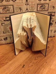 Book Folding Pattern Mum and baby Giraffes by BookFoldingForever