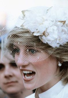 """Princess Diana ~ Always gorgeous  especially wearing this """"cream"""" or """"winter white"""" color!  These colors are amazing on her against her complection!  Her basics look like Clinique in this pic."""