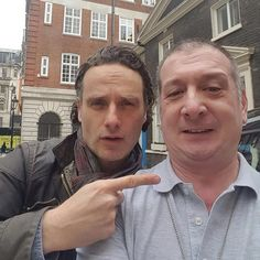 Look who my stepdad had in the back of his cab today! I should be a cabbie!  #andrewlincoln #thislife #loveactually #thewalkingdead