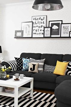 38 Popular Black Sofa For Living Room Decor Ideas Black Sofa Living Room Decor, Black And White Living Room, Living Room Themes, Modern Bedroom Decor, Living Room Colors, Living Furniture, Living Room Sofa, Living Room Modern, Living Room Designs