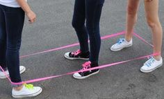 Chinese jump rope - Do you remember doing this? School Memories, My Childhood Memories, Sweet Memories, Chinese Jump Rope, Childhood Games, 80s Kids, Good Ole, Ol Days, Polly Pocket