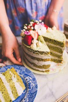 Matcha Cake with Black Sesame Cream Cheese Layers - Constellation Inspiration Summer Cake Recipes, Summer Cakes, Tea Recipes, Sweet Recipes, Dessert Recipes, Slow Cooker Desserts, Cupcakes, Cupcake Cakes, Matcha Cake