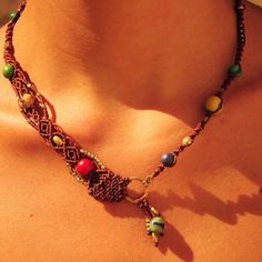 The lenght of the necklace is adjustable by a special sliding knot.