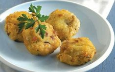 Fish balls with ouzo or tsipouro Greek Recipes, Cauliflower, Seafood, Food And Drink, Cooking Recipes, Fish, Meat, Vegetables, Kitchens