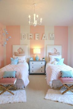 Girls twin bedroom with striped walls. – durand Girls twin bedroom with striped walls. Girls twin bedroom with striped walls. Twin Girl Bedrooms, Sister Bedroom, Twin Room, Bedroom For Girls Kids, Bedroom For Twins, Bedroom Decor Kids, Room Baby, Childrens Bedrooms Girls, Kids Rooms