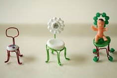 Tutorial for mini bistro chair ornaments made from buttons; for my fairy garden!