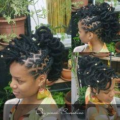 Image may contain: 1 person Dreadlock Styles, Dreads Styles, Braid Styles, Rock Hairstyles, Dreadlock Hairstyles, Braided Hairstyles, Hair Facts, Beautiful Dreadlocks, Dreads Girl