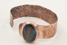 Handmade Bracelets, Cuff Bracelets, Handmade Jewelry, Handmade Design, Handmade Items, Etsy Handmade, Copper Accessories, Ethnic Chic, Ethnic Jewelry