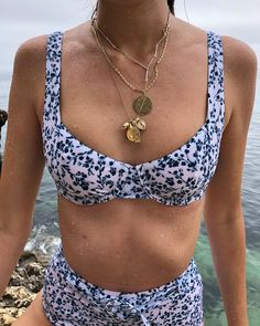 Summer Bathing Suits, Cute Bathing Suits, Summer Suits, Bathing Suit Top, Cute Swimsuits, Cute Bikinis, Summer Bikinis, Outfit Jeans, Flipflops