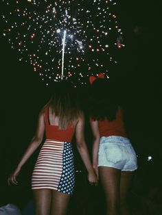 Happy late Fourth of July everyone!! I hope everyone had an amazing day and made so many memories. As you can see I toke a picture with one of my closest friends that I spent that day with. It was great! #merica