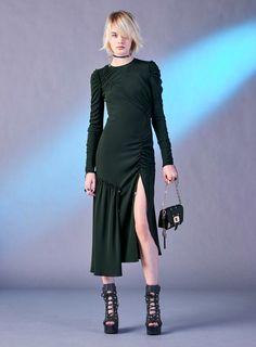 Versace Pre-Fall 2017 Collection Photos - Vogue