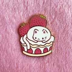 cute Little Presents, Jacket Pins, Kawaii Accessories, Cool Pins, Pin And Patches, Cute Crafts, Pin Badges, Cute Jewelry, Lapel Pins