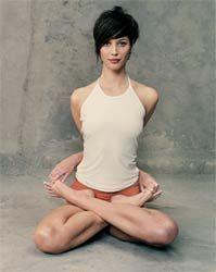 Simply graceful and elegant. #Yoga (Plus, I love her hair!) (Christy Turlington)