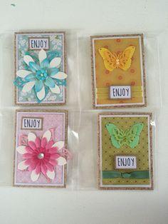 Små kort - store blomster - sommerfugle