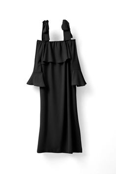 Knee length dress with bell sleeves and frill  details. <br /><br />Model is 175 cm tall and wearing a  size small/ 36.