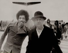 Last Train Coming: Rare Photographs of Jimi Hendrix Coming for the Final Concert Performance at the Isle of Fehmarn in Germany, 1970 ~ vintage everyday Easy Guitar, Guitar Tips, Cool Guitar, Guitar Lessons, Band Of Gypsys, Jimi Hendrix Experience, Psychedelic Music, Learn To Play Guitar, Guitar For Beginners
