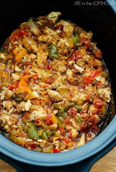 ) can diced tomatoes with green chilies 1 red, orange and green bell pepper, julienned 1 yellow onion, sliced 4 cloves garlic, minced 2 teaspoons chili powder 2 teaspoons ground cumin 1 teasp Slow Cooker Chicken, Crock Pot Chicken Fajitas, Chicken Fajita Casserole, Chicken Fajita Crockpot Recipes, Best Fajita Recipe, Slow Cooker Fajitas, Crockpot Lunch, Recipe Chicken, Slow Cooker Recipes