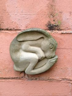 'Heathers Hare' My mum bought it for me, just before she passed away. I have this lovely Hare on my garden wall. Hand made in North Norfolk by Helen C Dixon. Rabbit Sculpture, Art Sculpture, Animal Sculptures, Ceramic Animals, Ceramic Art, Stone Carving, Wood Carving, Lapin Art, Rabbit Art